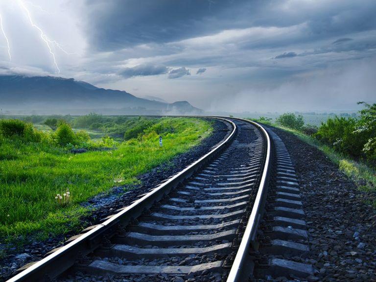Die Verantwortungsverteilung im Eisenbahnwesen bei der Fahrzeugzulassung und der Aufsicht